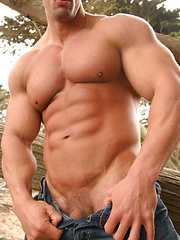 Outdoor session of hot gay star Zeb