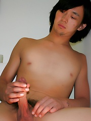 Cute Japanese Twink Jacking Off in a Bathroom