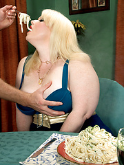BBW blond eating and fucking