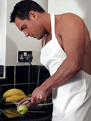 Chef Marcello gets so horny when he cooks that he has to masturbate